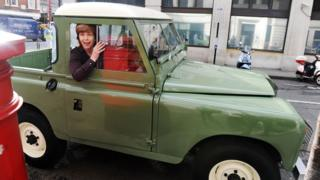 Lynn Bowles leaves BBC Radio 2- with Land Rover gift