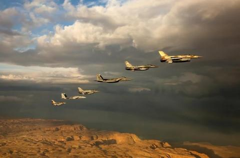 US-Israeli strike on Iran in Syria: Fake or a real prospect?