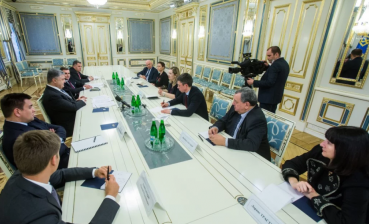 Poroshenko called French delegation for counterworking Nord Stream - 2 construction