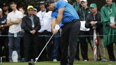 Masters 2018: Patrick Reed leads Rory McIlroy by three into final round