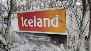 Iceland supermarkets to ban palm oil in all products