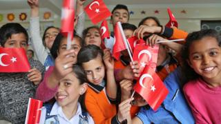 Crossing Divides: Turkish schools help Syrians integrate