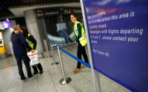 Strikes ground hundreds of Lufthansa and Air France flights