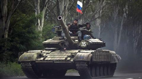 Militants deploy 38 vehicles, heavy weaponry at Luhansk airport