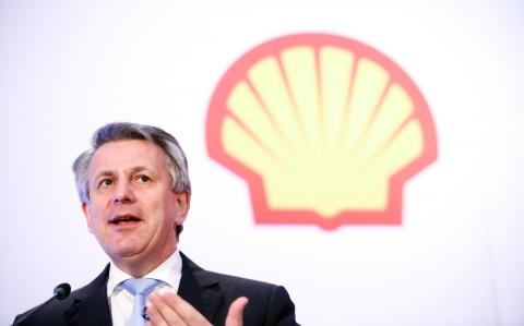 Shell shakes off fears it will be 'stranded' in a greener world