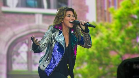 Shania Twain apologises after saying she would vote for Donald Trump