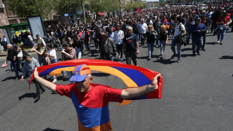 Protesters block roads and streets in Yerevan