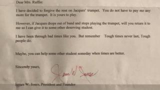 Son shares mother's moving letter 'forgiving trumpet debt'