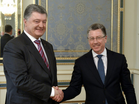 Poroshenko discuss situation in Donbas with Volker