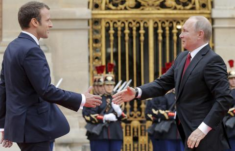 Putin, Macron discuss Minsk Agreement implementation in Ukraine