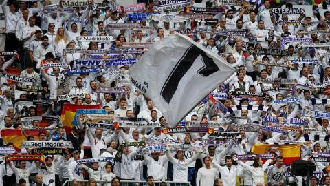 Real Madrid fans: fights, songs, performances