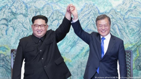 South, North Koreas leaders agree on regular meetings