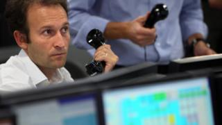 London share trading delayed by one hour