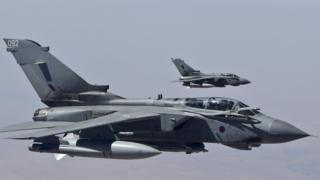 Military boss defends RAF bombings of IS