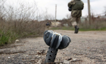 24 hours in Donbas: Ukrainian trooper sustains shrapnel wound