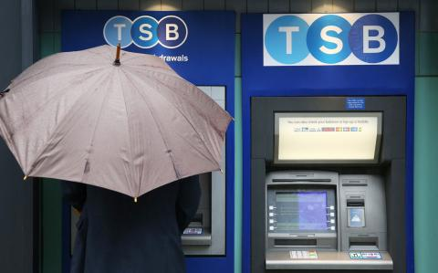 MPs gun for under-fire TSB chief after IT fiasco