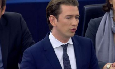 "Sebastian Kurz aims to ""build bridges"" with Russia"