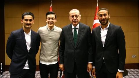 Mesut Ozil says not having picture with Turkish president would be 'disrespectful'