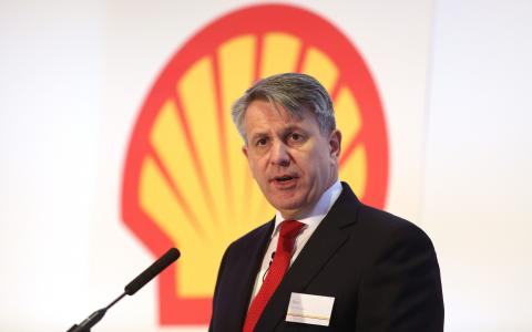 Royal Dutch Shell mulls $25bn share buy-back