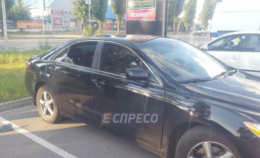 Criminals shell car and steal 74 thousand dollars in Kyiv