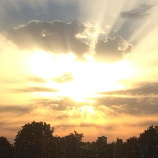 Crepuscular rays: Stunning sunsets light up the skies in the UK