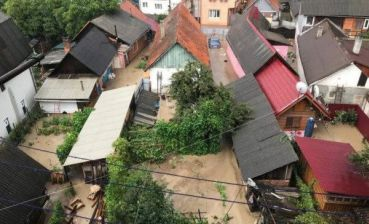 Heavy rain in Zakarpattia region, streets flooded, - photos