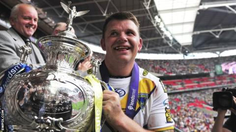 Challenge Cup final: Lee Briers on final 'heartbreak' and Warrington Wolves glory