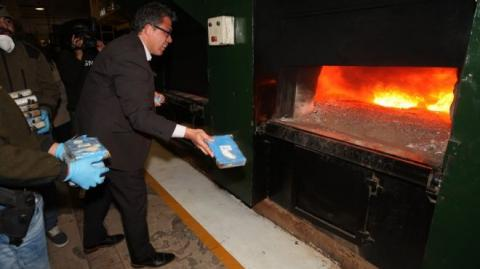 Argentina burns 400 kg of cocaine found at Russian embassy last February