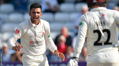 County Championship: Lancashire bowl out Somerset for 77 to tie at Taunton