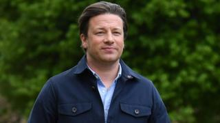 Jamie Oliver apprehends man after attempted burglary