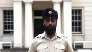 Leicester Sikh turban-wearing guardsman fails drugs test