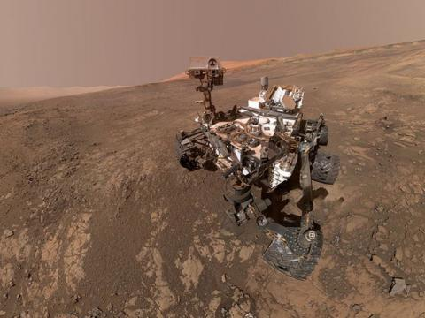 Smile! Curiosity Rover's snaps a selfie on Mars
