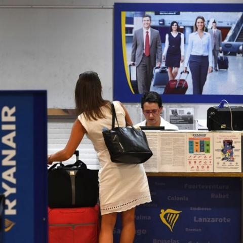 Italy challenges Ryanair charge on