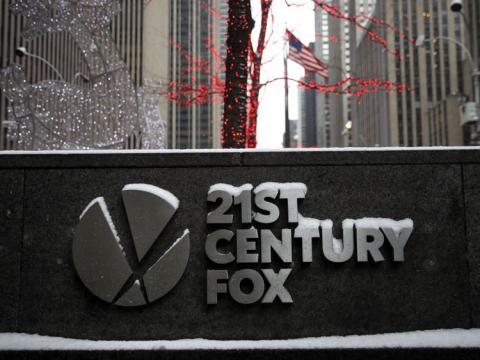 Fox and Comcast prepare final bids in battle for Sky