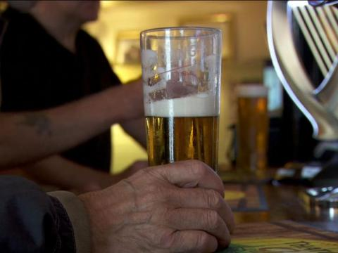 Labour to fund alcohol care teams in English hospitals