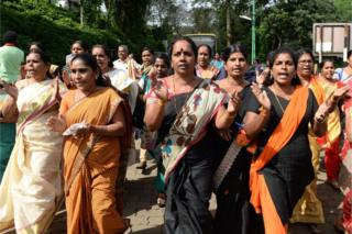 Sabarimala: Protesters block women from entering Hindu shrine