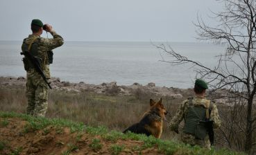 Ukrainian border guards enhance security of border after Crimean Blast