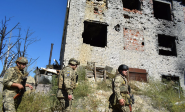 Two Ukrainian soldiers get injured in Donbas combat zone