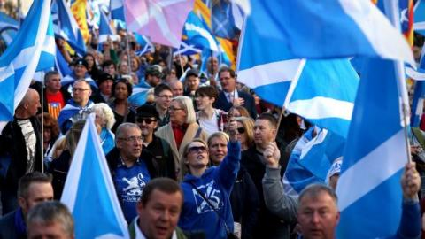 Mass rally in support of Scotland's independence takes place in Edinburgh
