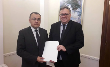 Deputy Foreign Minister receives copies of credentials from Hungarian Ambassador