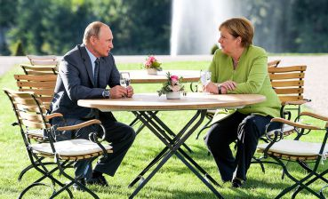 Putin, Merkel discuss situation in Kerch Strait