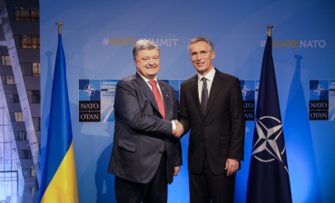 Stoltenberg, Poroshenko to meet in Brussels