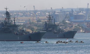 Putin behaves as if Sea of Azov is Russian lake