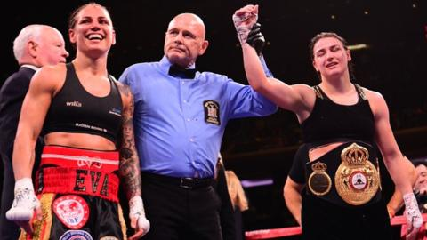 Brilliant Taylor outclasses Wahlstrom to defend world titles
