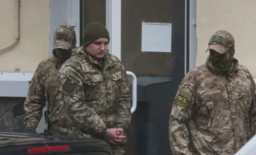Detained Ukrainian sailors tell Russia they are POWs