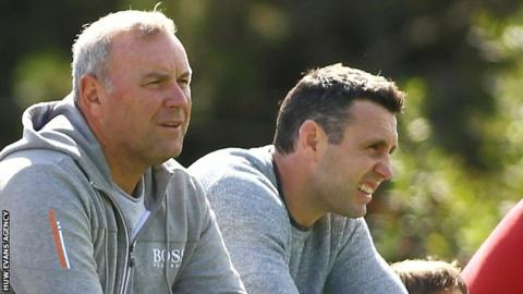 Jones and Humphreys named Wales assistant coaches