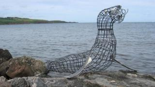 Who is Stonehaven's 'secret sculptor'?