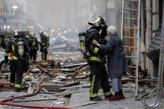 In pictures: Firefighters rush to Paris bakery blaze