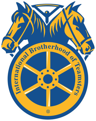 In Gesture Of Solidarity, Teamsters Local 357 Delivers Lunch To Air Traffic Controllers
