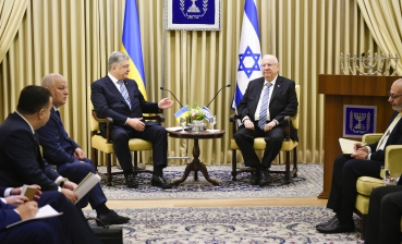 Poroshenko urges Israel to promote release of Ukrainian sailors